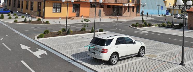 Obezbeđen parking